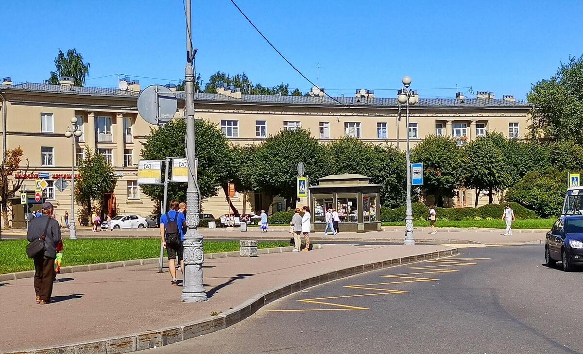 Остановки автобусов на Привокзальной площади