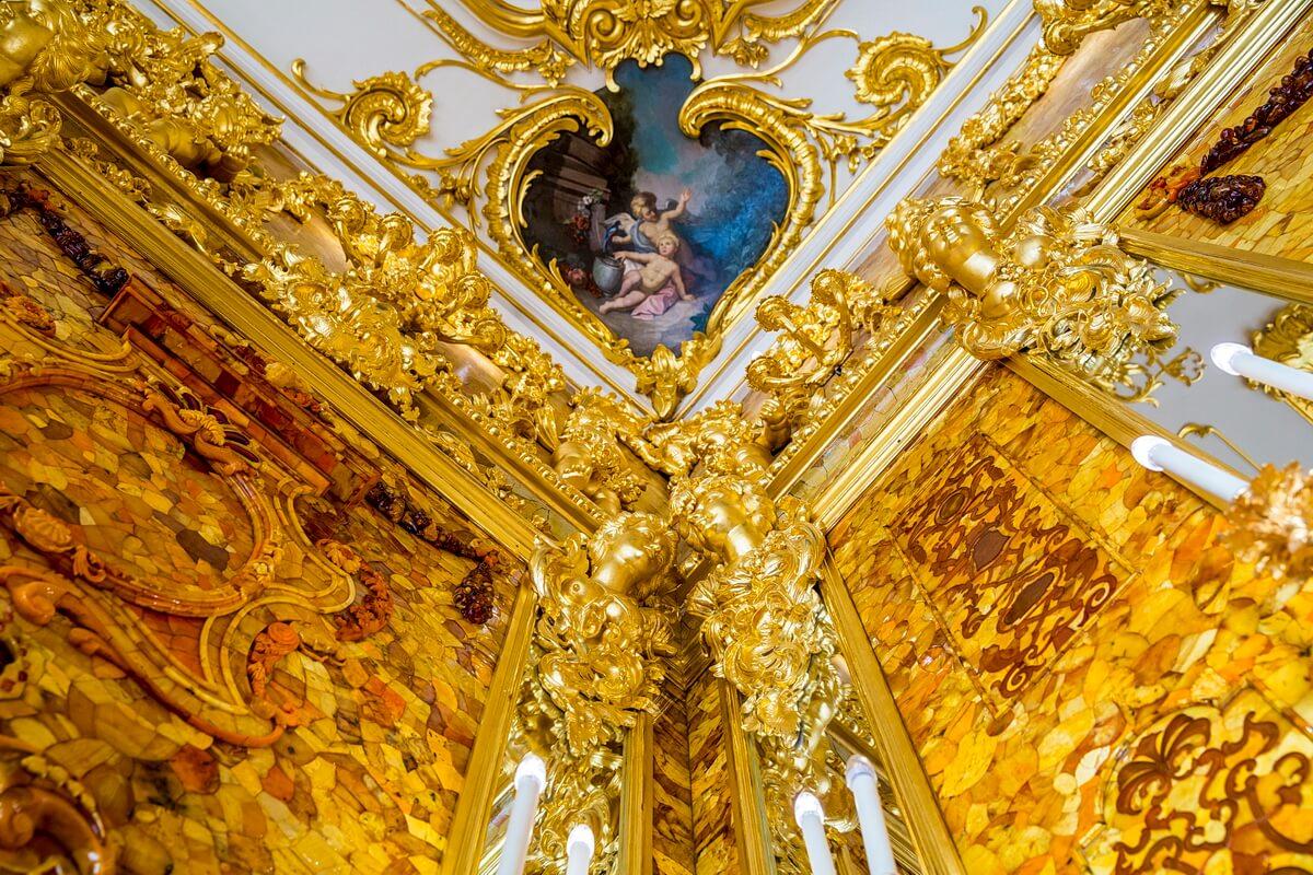 Потолочные карнизы Янтарной комнаты