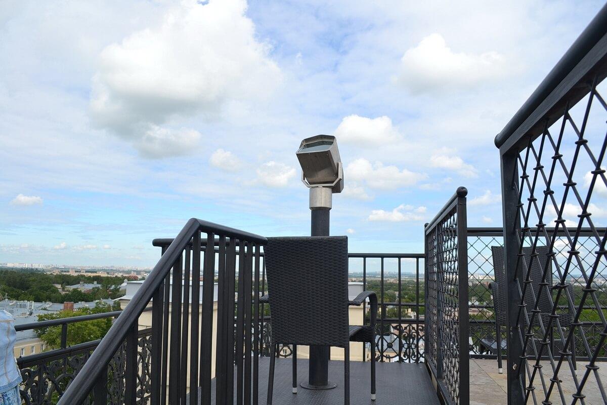 Бинокль на крыше Певческой башни